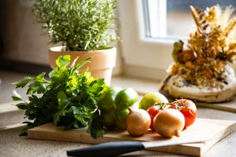 Ferienwohnung an den Grundwiesen Küche Detail 20201121 2